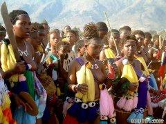 探秘非洲原始部落女人视频,亚马逊原始部落女人咋生孩子真实过程