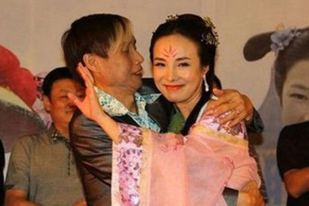 邓建国前几任妻子照片,干露露现在怎么不出来了和邓建国什么关系