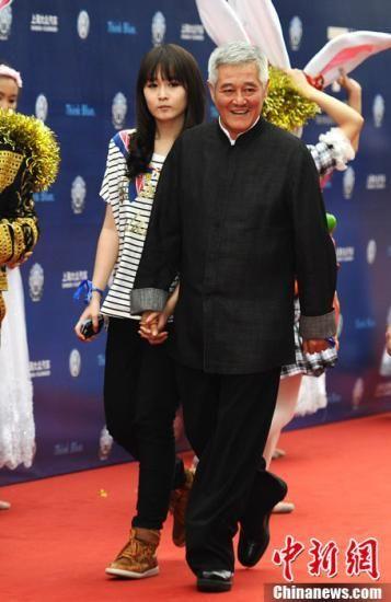 李咏老婆是春晚导演吗 哈文和赵本山不和系谣言不要再传了