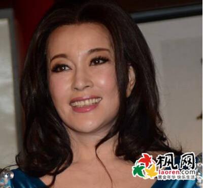 刘晓庆老公易纲照片,刘晓庆第四任老公简历,刘晓庆偷税入狱事件