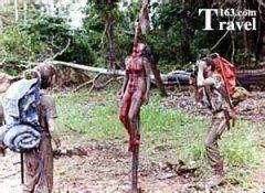 非洲食人族部落煮女人,食人族杀女人真实图片,非洲食人族剥活女人