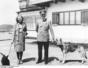 纳粹毒气室里的犹太人,纳粹女魔头之后宫总管,希特勒纳粹风流史图