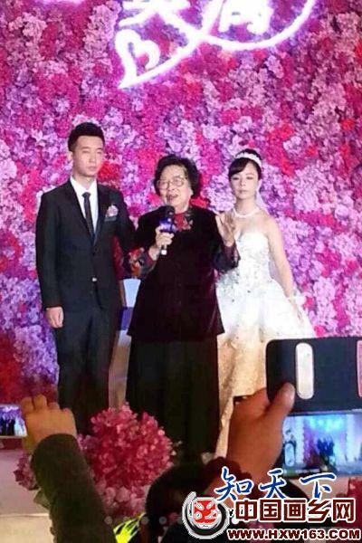 王二妮的结婚照片很唯美,王二妮老公李飞背景资料介绍照片