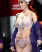 韩国内衣模特大赛选美,韩国举行美背选美大赛,无内衣模特选美赛