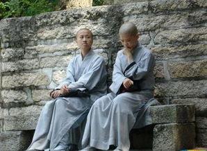 曝光寺庙尼姑惊人一幕,寺庙和尚和尼姑的生活,和尚尼姑同宿舍寺庙