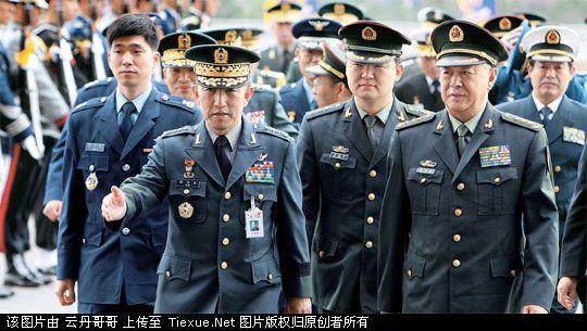 退伍军人还能穿军装吗,穿65式军装的军人照片,世界各国的军装对比图片