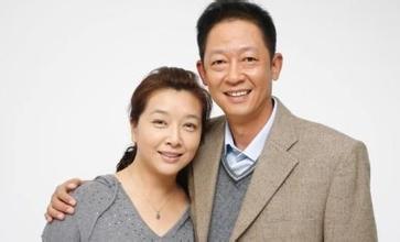 王志文的两任妻子图,王志文妻子背景惊人,王志文为什么没娶江珊