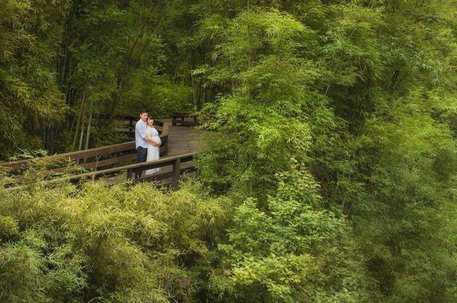 郜林老婆家庭背景,郜林与孕妻拍丛林写真,为什么日本足球怕郜林