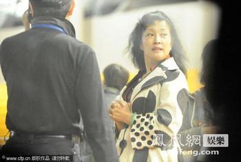 刘晓庆吓人素颜照片,刘晓庆逆生长对比图片