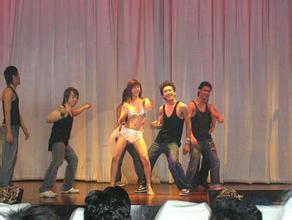 农村歌舞团开放低俗表演视频,农村歌舞团给力演出脱惊艳开放表演