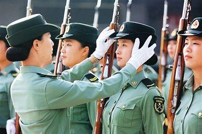中国三军仪仗队美女队长惊艳照片曝光