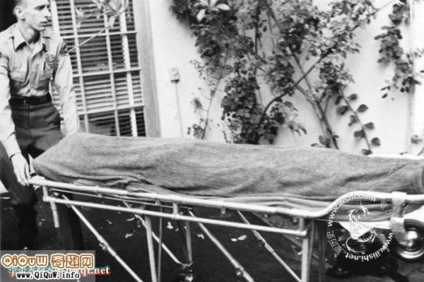 性感女神玛丽莲梦露经典动作图 揭秘玛丽莲梦露的死亡真相及图片