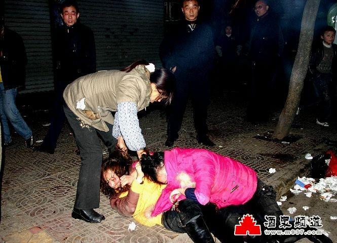 中学女生打架撕衣视频