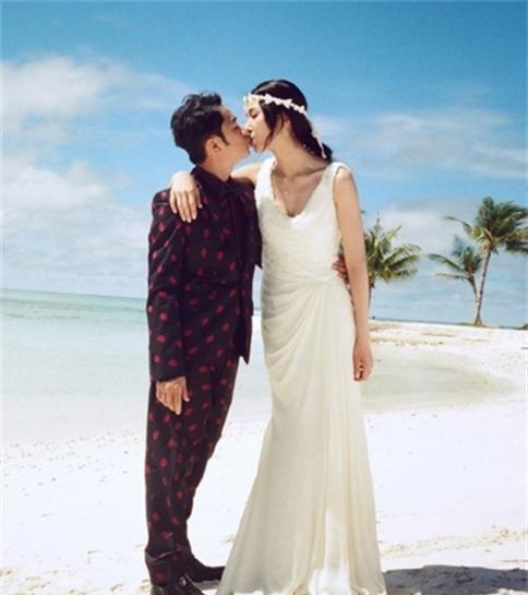 李亚男王祖蓝婚纱照怎么认识的,李亚男个人资料家庭背景