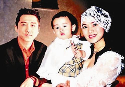 曝哈林恋上40岁女主播怎么认识的呢 庾澄庆伊能静离婚原因