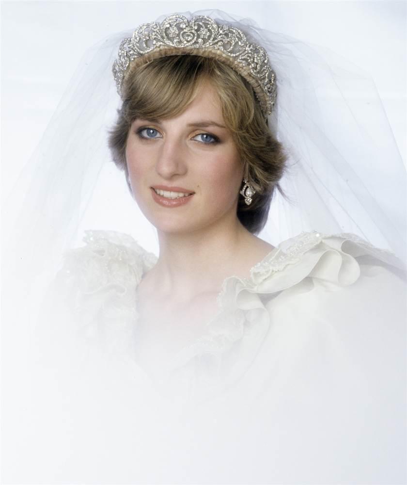 英国王室丑闻戴安娜 戴安娜王妃车祸遗体照 戴安娜王妃葬礼现场图