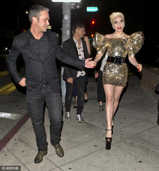 Lady Gaga被曝邀达赖主持婚礼 gaga与未婚夫相恋5年分手原因曝光