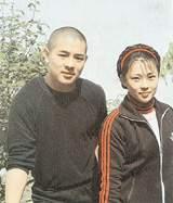 李连杰前妻黄秋燕再婚近照似大妈 李连杰为什么跟黄秋燕离婚原因