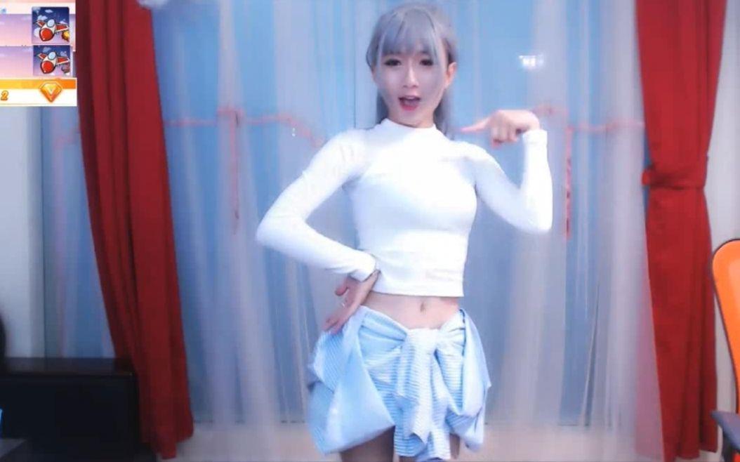斗鱼伪娘主播hani小九直播跳舞胸掉了视频 斗鱼伪娘小九真人照片