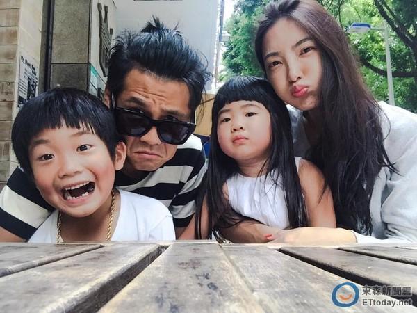 曹格为什么发文提离婚想法截图 曹格求婚妻子吴速玲现场视频照片