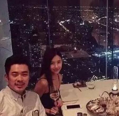 张子萱产六斤六两重女儿陈赫宣布当爸爸,张子萱挺孕肚逛街照曝光