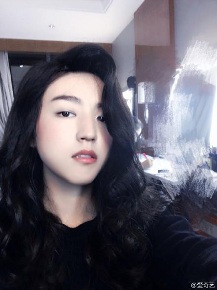 王俊凯王源易烊千玺女装对比谁更美,TFBOYS反串女装美照曝光图片