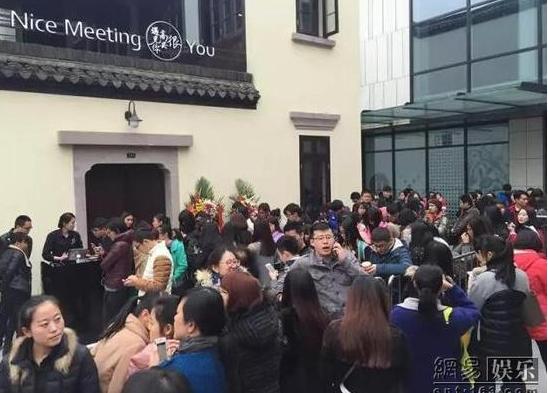 韩寒为什么被人追债饭店倒闭原因揭秘 韩寒餐厅遭举报被罚怎么回