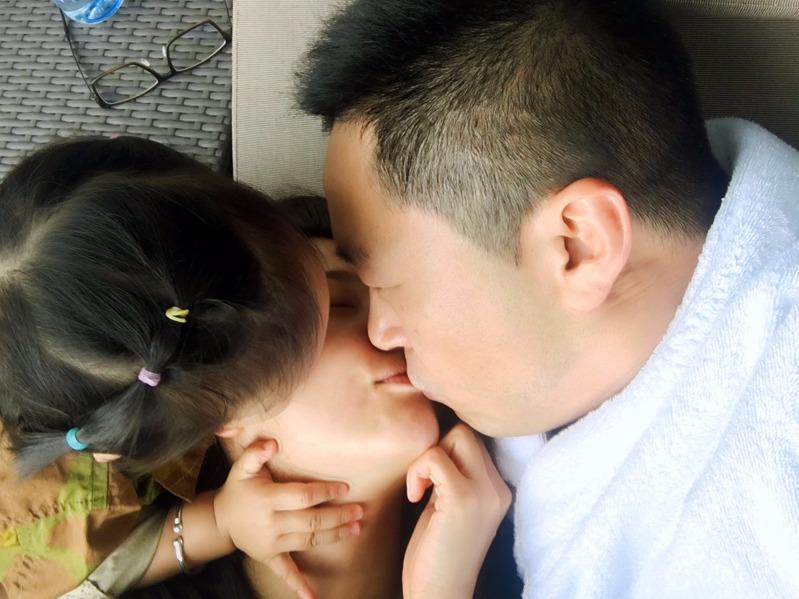 张雨绮老公身份造假已婚生女证据曝光 袁巴元与葛晓倩结婚现场图