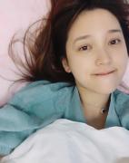 金莎突发胃痉挛昏迷送医住院并非炒作,金莎苏醒输液素颜床照曝光