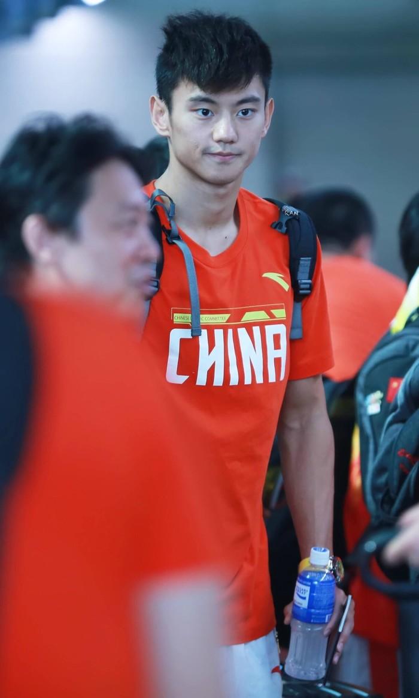 宁泽涛训练一天吐8次为何还遭国家队重罚?宁泽涛近况伤势恢复如何