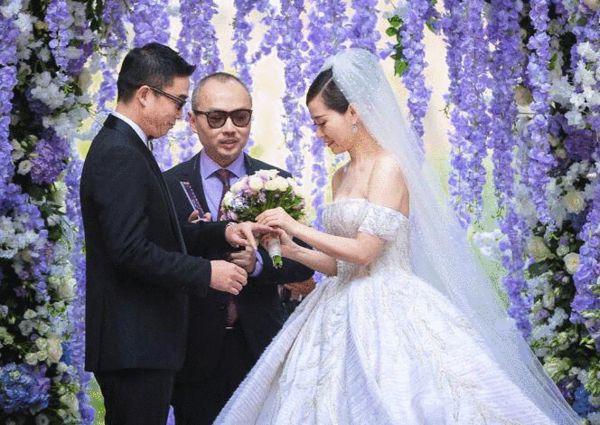 张靓颖妈妈斥冯轲骗女儿当小三证据图 张妈妈答应参加婚礼又变卦?