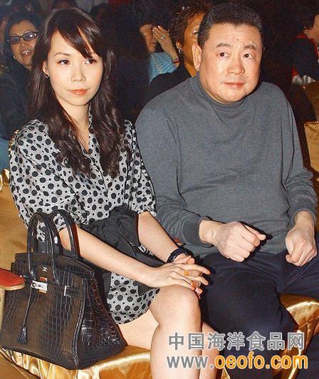 刘銮雄申请结婚近况如何为什么喜欢甘比揭秘前妻吕丽君财产争夺战