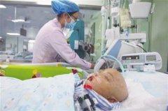 罗一笑病危现在怎么样了医院急救照片,罗尔女儿病情进展如何图片