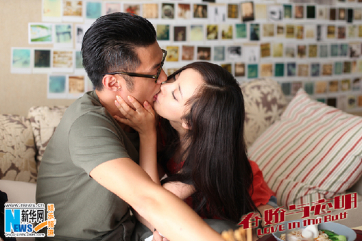 余文乐与新女友王棠云怎么认识的激吻照片,王棠云Sarah资料背景