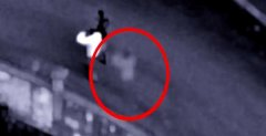 夫妻怀疑被鬼追随监控拍下白色鬼影视频,夫妻一块鬼压床怎么破解