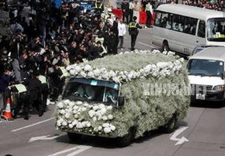 梅艳芳葬礼全程刘德华抬棺落泪视频刘德华为什么没娶梅艳芳原因揭