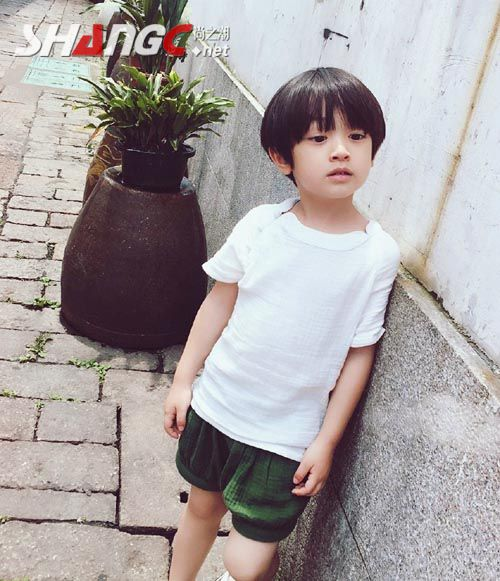 李亦航的亲身生爸爸李进是谁图,李亦航是谁的孩子父母照片资料