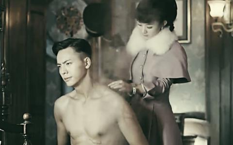 张启山和老婆尹新月是怎么死的,张启山和小哥张起灵有什么关系