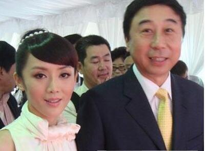 牛群冯巩为什么分开不合作了闹掰原因,冯巩老婆艾慧逝世是真的吗