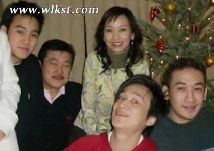 赵雅芝个人资料年龄近照 赵雅芝老公和三个儿子合影资料曝光