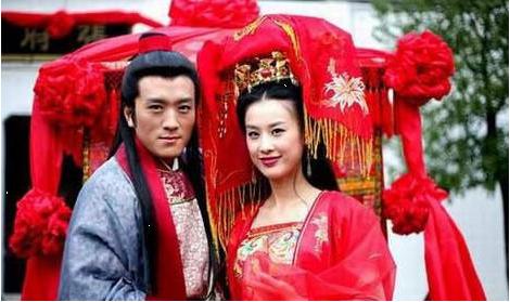 杨子流泪为二胎儿子剪脐带微博谢老婆黄圣依十年婚姻忍让原因