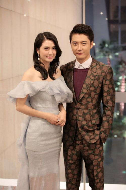 洪欣三胎大肚子女儿照片,张丹峰为什么娶洪欣原因两人怎么认识的