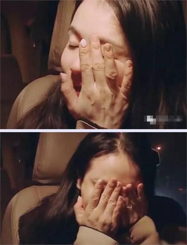 冉莹颖被戒指卡住求助消防队员图片,冉莹颖一双手让无数人心疼