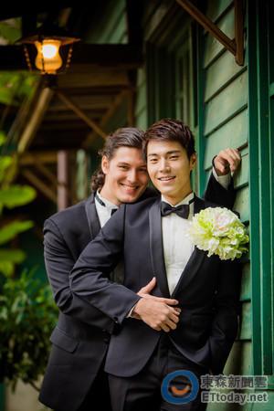 周华健儿子周厚安是同性恋gay吗?周厚安混血女友是哪国人亲密照