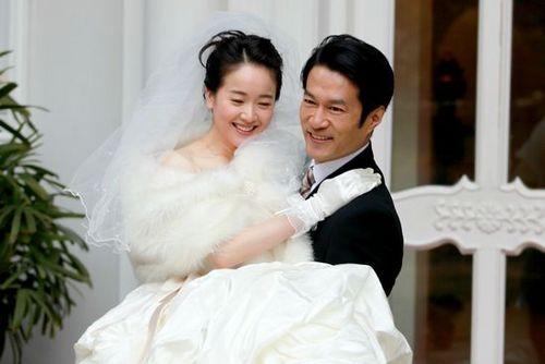 谭凯的妻子左小青是真的吗 谭凯现实中的老婆是谁资料照片曝光