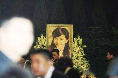 李钰怎么死的遗体穿婚纱照片 李钰为什么穿婚纱下葬原因揭秘