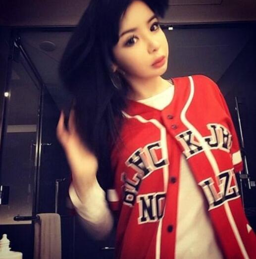 2NE1朴春近照脸肿唇厚整容面目全非图,朴春吸毒爆粗口在韩国地位