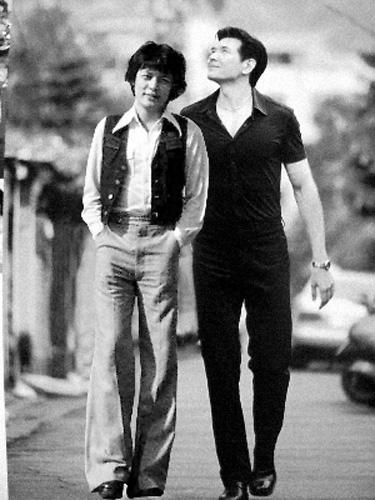 费翔为什么不结婚是同性恋gay吗?费翔和刘文正同居照片怎么回事?