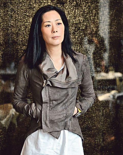 自杀未遂女星关淑怡恐吓店员被捕照片 关淑怡和不丹活佛儿子近照