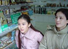 刘亦菲妈妈年轻照片曝光比她好看刘亦菲爸爸照片个人资料背景揭秘